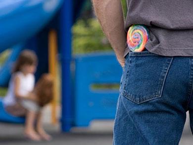 Cum ii Facem pe Copii sa nu Vorbeasca cu Necunoscutii?