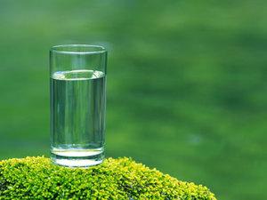 Cate-lichide-ar-trebui-sa-bea-micutii-nostri