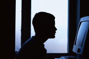 Tu stii ce face adolescentul tau online?