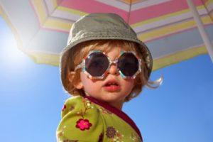 Cum ne protejam copiii de soare?